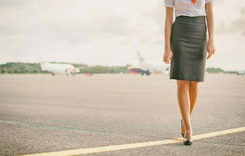 ¿Cómo deben cuidar los pies las azafatas?